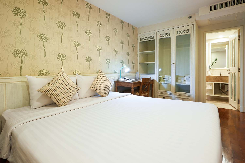 Room-208_0583.jpg