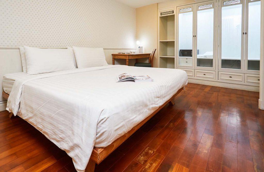 Room-704_0295.jpg